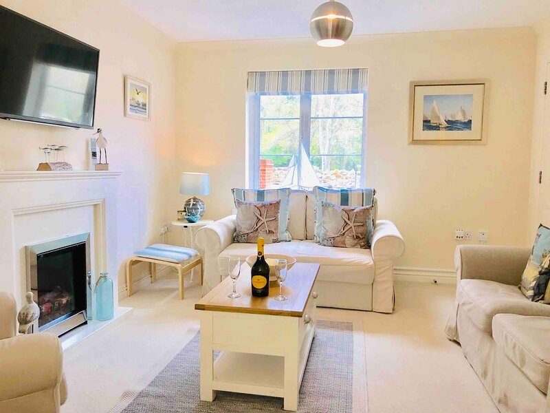 CHESTNUT COTTAGE, casa vacanza a Luccombe