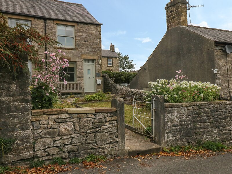 4 Cherry Tree Cottages, Bradwell, holiday rental in Edale
