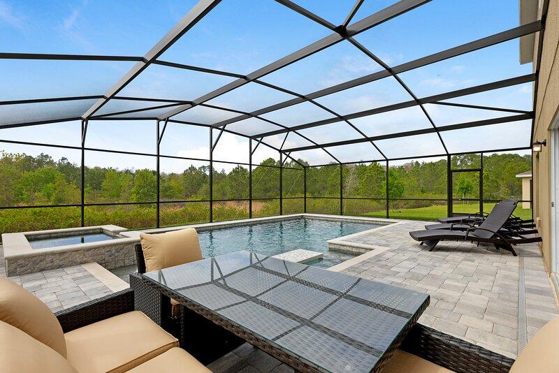 Fabulous brand new 4 bed home near to Disney - 497, location de vacances à Polk City