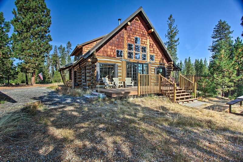 NEW! 'Snow Pine Retreat' - Secluded 5-Acre Escape!, vacation rental in Crescent Lake