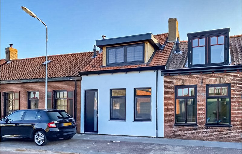 Awesome home in Groede with WiFi and 2 Bedrooms (HZE147), vacation rental in Oostburg