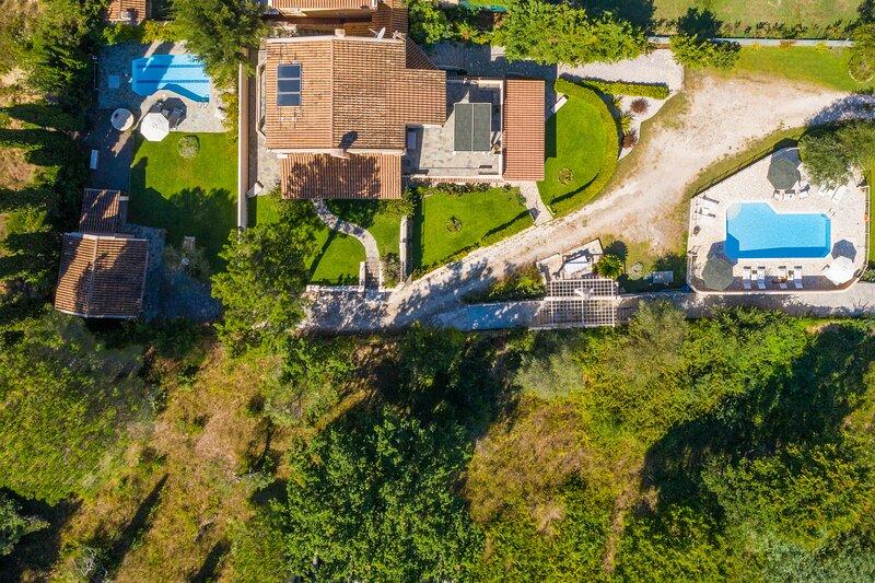 Krevatsoula Beach Villas - Dassia Corfu, holiday rental in Limni
