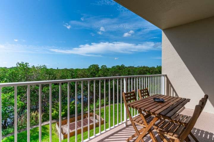Enjoy the Canal View From the Living Room Balcony - Watch for the Manatees!