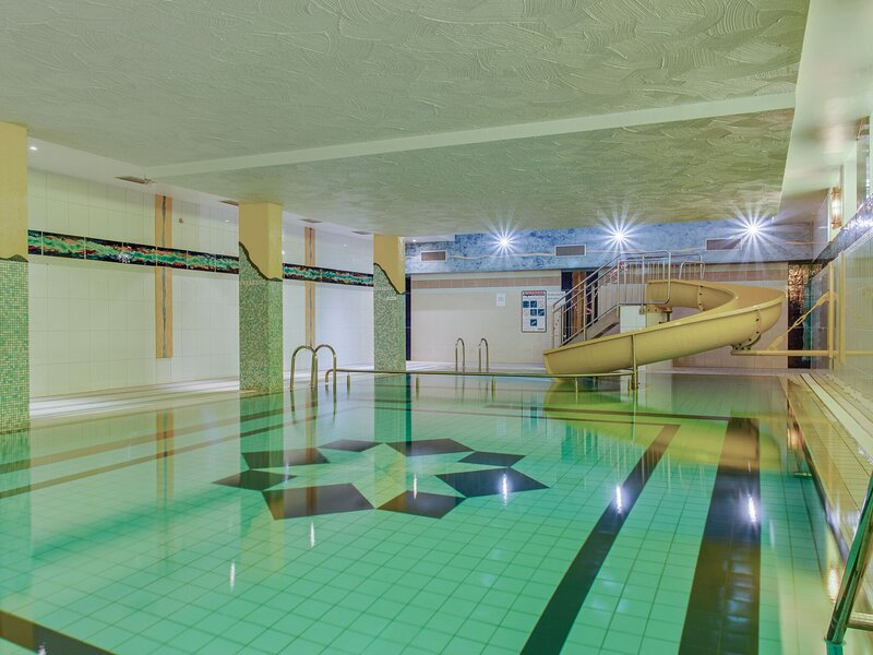 Mountainside flat with swimming pool in Hahnenklee, Harz, holiday rental in Hahnenklee-Bockswiese