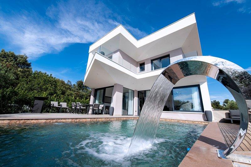 Beautiful Villa Costa, with a Pool, vacation rental in Zaton