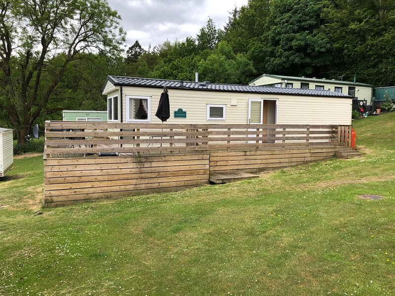 Lovely Static Caravan for Families and Couples, vacation rental in Newton Stewart