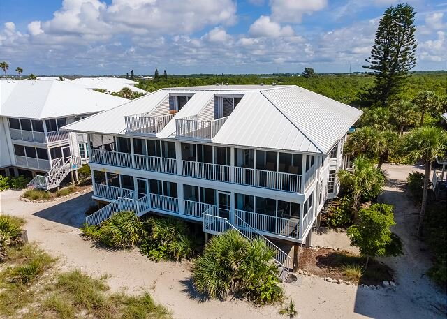 Enjoy an Unobstructed view of the Gulf from this Cheery Villa! B2913A, alquiler vacacional en Cape Haze