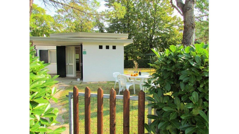 House near the beach with private garden, holiday rental in Bibione Pineda