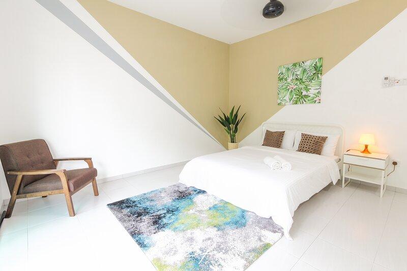 Zafa Melaka Muzaffar Heights / 2 Storey Terrace / Wifi / Netflix / Astro, alquiler de vacaciones en Central Melaka District