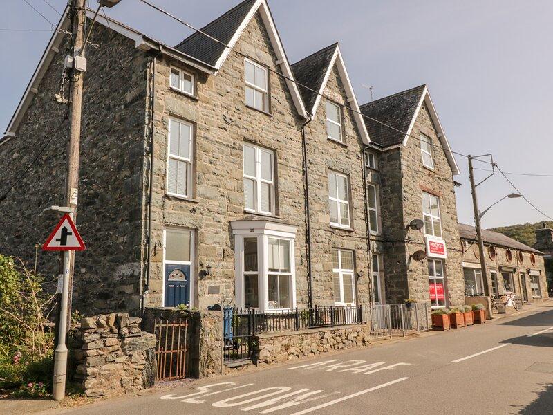 Tyn Celyn Town House, Llanbedr, holiday rental in Llandanwg