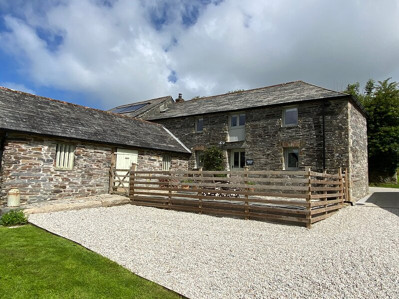 Secluded Cottage for 6 near the Coast & Port Isaac, holiday rental in Treveighan