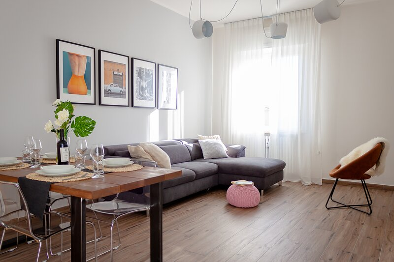 Lucky home - near station & city center, holiday rental in San Massimo