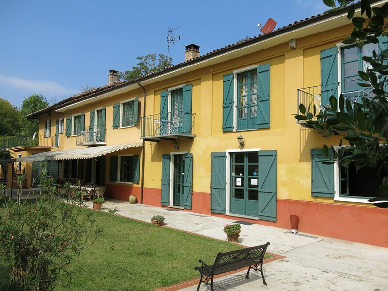 Grande Tiglio, app.to Verde (VDA105), vacation rental in Montegrosso d'Asti