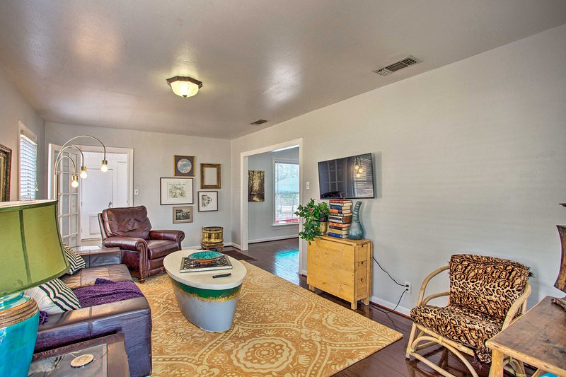 NEW! Fort Worth Home w/ Patio - 5 Mi to Downtown!, vacation rental in Fort Worth