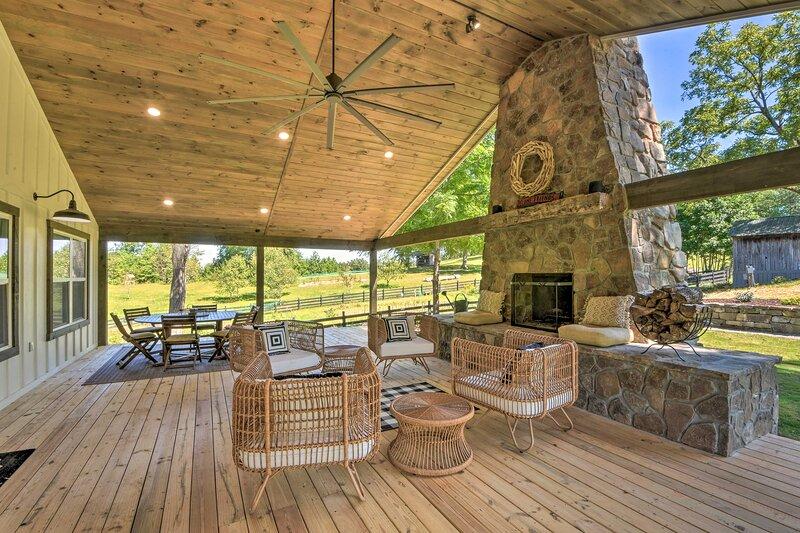 NEW! Blue Ridge Cottage: Modern Solace in the Mtns, aluguéis de temporada em Epworth