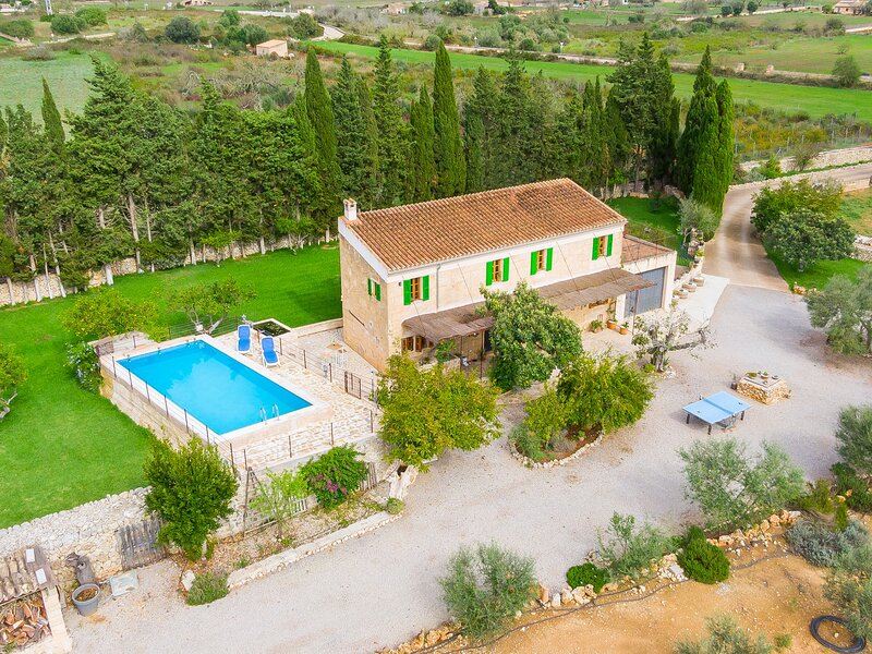 Beautiful rustic finca with private pool near Maria de la Salut. – semesterbostad i Santa Margalida
