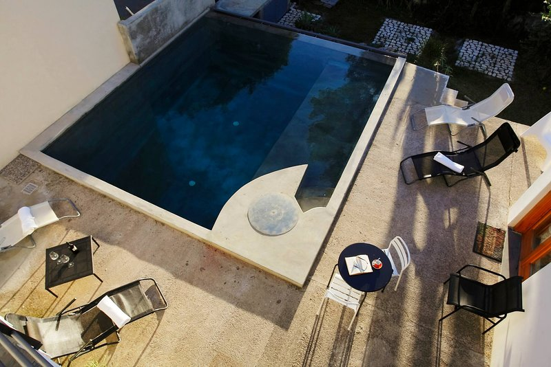 Private Room With Bathroom And Pool, holiday rental in Torre Colonna-Sperone