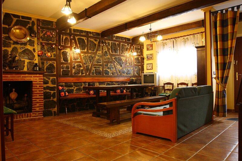 Ven y entra en la Sierra de Francia. El mejor lugar para ver, y disfrutar., aluguéis de temporada em La Calzada de Bejar