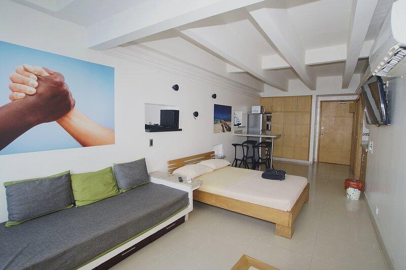 MODERN LOFT WITH AN INCREDIBLE VIEW OVER CARTAGENA, location de vacances à Bocachica