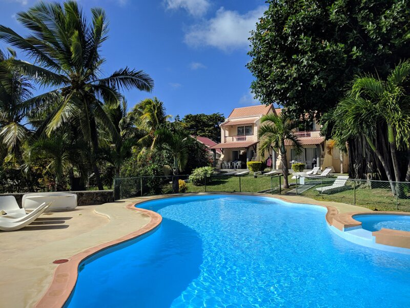 Relax in Mauritius - villa privee entre famille amis pour 6 personnes, holiday rental in Grand Gaube