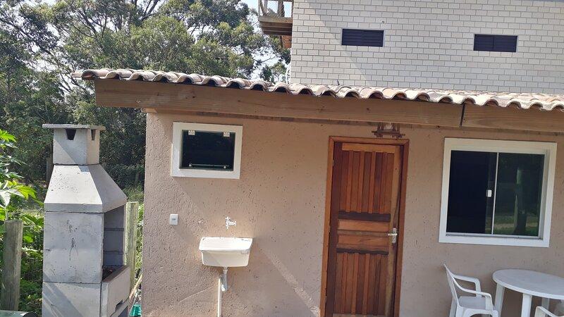 casa 1 quarto na praia do rosa, location de vacances à Barra de Ibiraquera