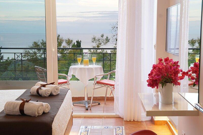 Felix Residence ... Superior Studio (No201), vacation rental in Mousata