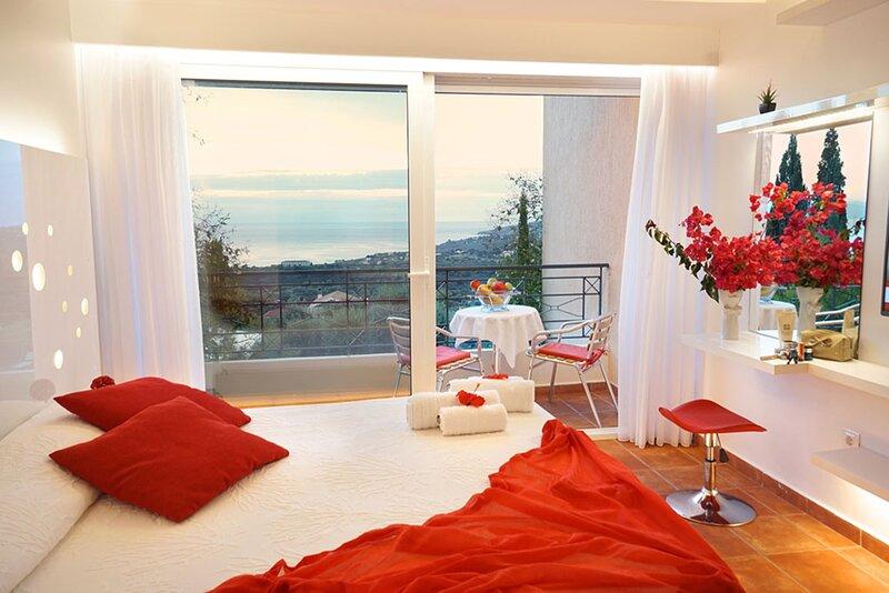 Felix Residence ... Superior Studio (No202), vacation rental in Mousata