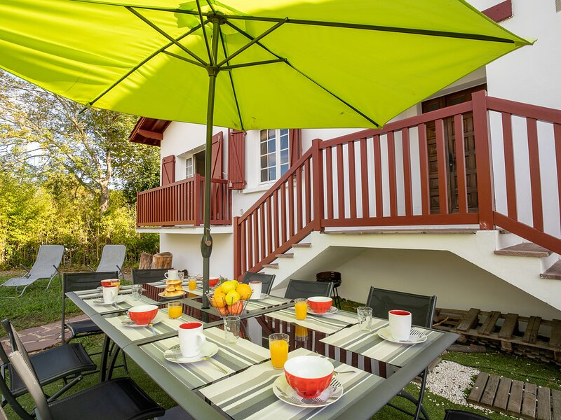 ASSOMBRENIA, holiday rental in Guethary