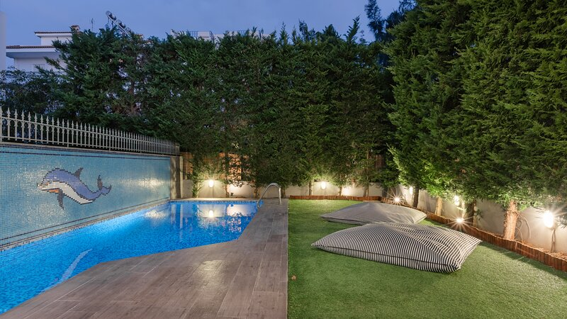 Athenian Grand Riviera Villa, casa vacanza a Voula
