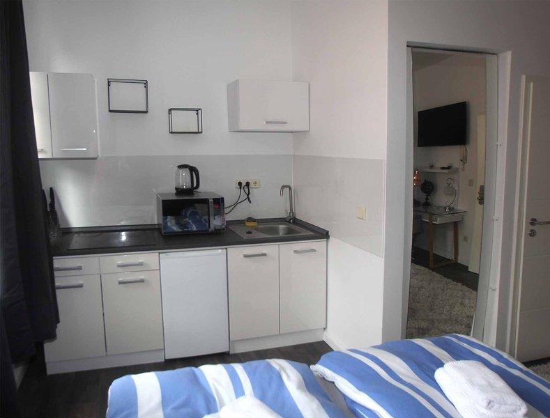 gemütliche Appartements mit Bad und Küchenzeile, aluguéis de temporada em Halle (Saale)