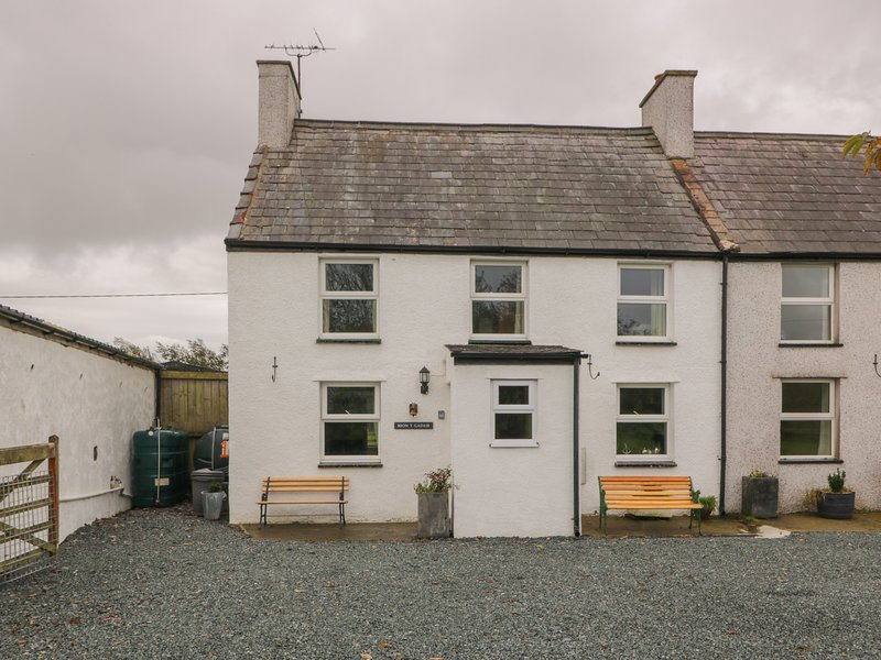 Bron Gadair, Newborough, holiday rental in Dwyran