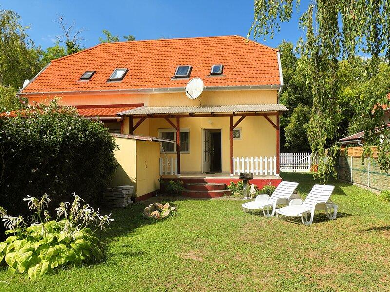 Balaton H2056, holiday rental in Balatonfoldvar