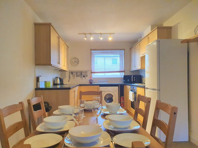 West Old Town 3 Bed 2 Bath, Ideal for Groups, holiday rental in Aldbourne