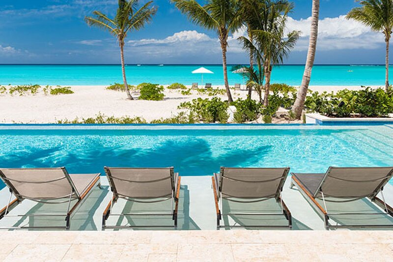 Villa Hawksbill | Beach Front - Located in Stunning Grace Bay with Private Pool, vakantiewoning in Leeward