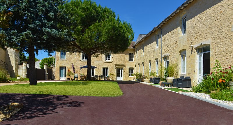 Jardin d'arcy chambres d'hôtes de charme et gîtes (max 2 pers) proches de Jonzac, location de vacances à Fléac-sur-Seugne