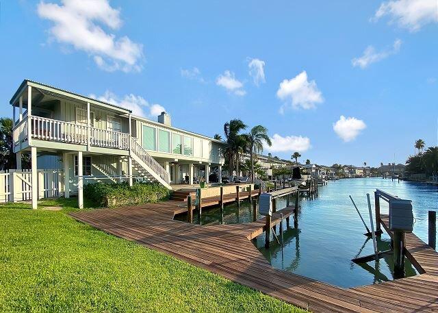 """Hacienda Juan Bimini"" Waterfront Home w/ Pool, Outdoor Dining, Boat Dock, Ferienwohnung in Rockport"