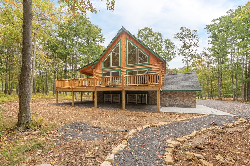 Bear Run Lodge, holiday rental in McHenry