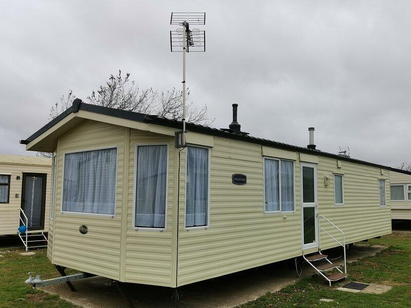 6 berth caravan for hire at St Osyths Clacton-on-sea, Essex ref 28021CW, location de vacances à Little Clacton