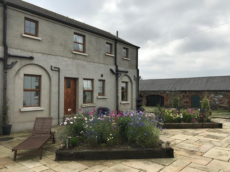 Charming 3-Bed Cottage Moira - Hillsborough, vacation rental in Banbridge