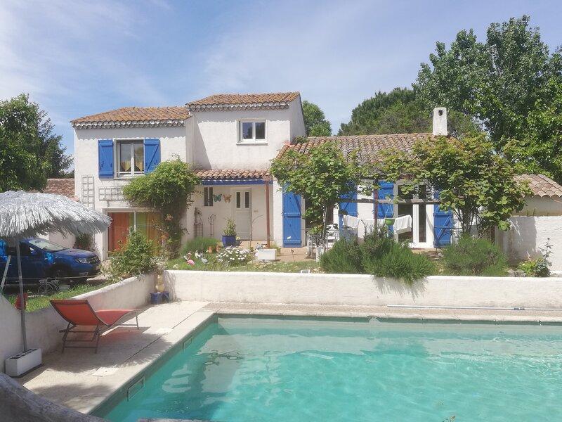 CHAMBRE D'HOTES MAS DU PETIT PARADIS ARLES, holiday rental in Raphele-les-Arles
