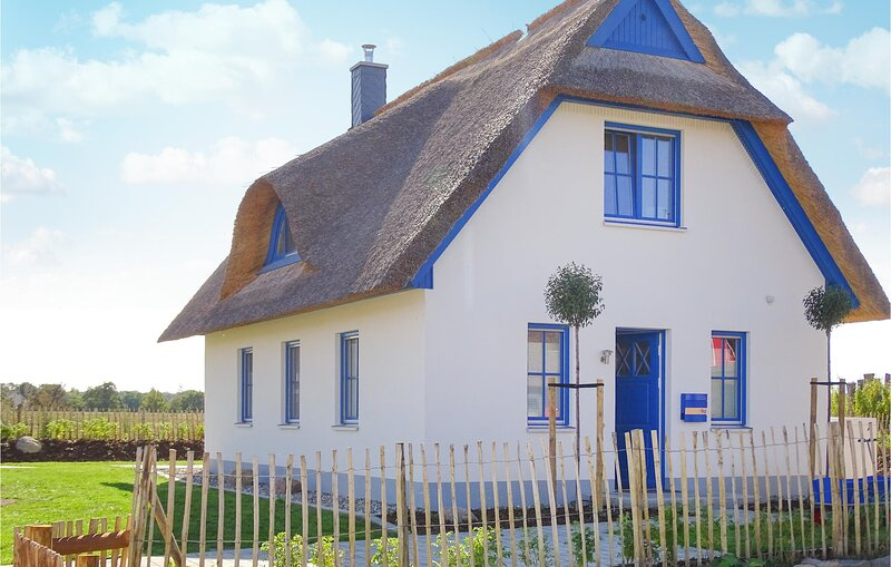 Amazing home in Zierow with Sauna, WiFi and 2 Bedrooms (DMK755), holiday rental in Zierow