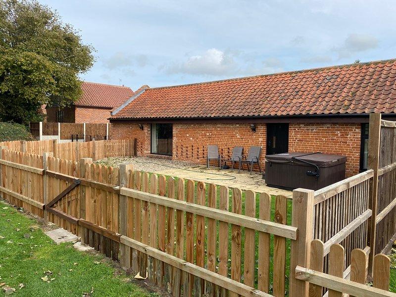 Brick Kiln Barns Retreat - No1 Cosy 2 Bed in the Heart of the Broads, location de vacances à Wayford