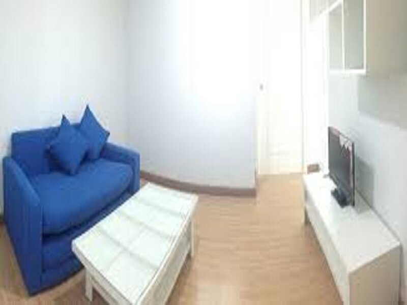 2 King Beds with Taxi Meetgreet service, vacation rental in Nonthaburi