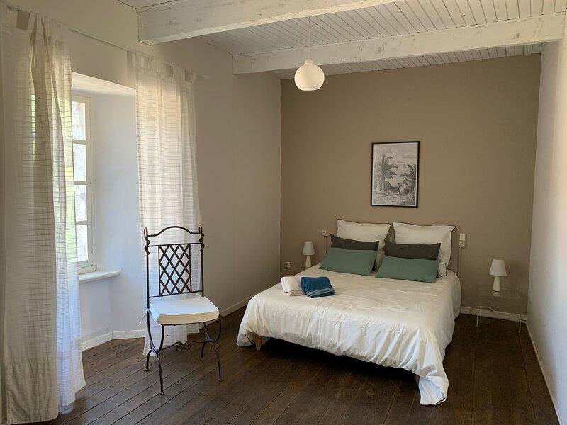 Superbe gîte dans le Tarn 14 pers180m2 sur les plateaux du haut Languedoc ., location de vacances à Saint-Sever-du-Moustier