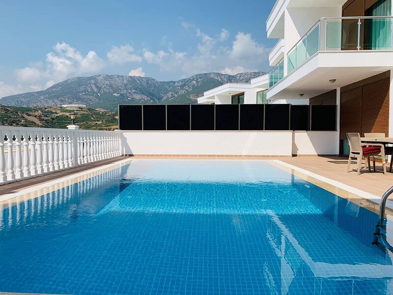 Villa With Private Pool 5 Star Complex In Alanya, location de vacances à Yesiloz