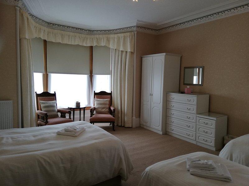 Glengarry House,  5 Bedroom Victorian Town House,, vacation rental in Callander