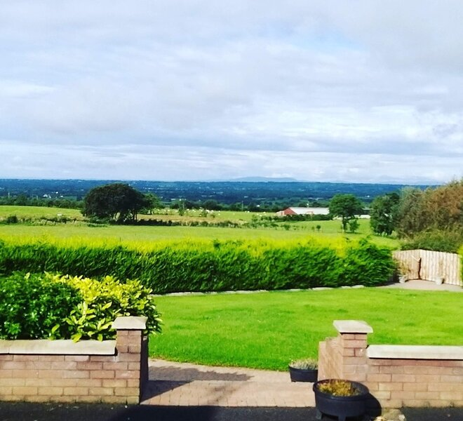 3-Bed Mobile with unique views, security access., holiday rental in Antrim