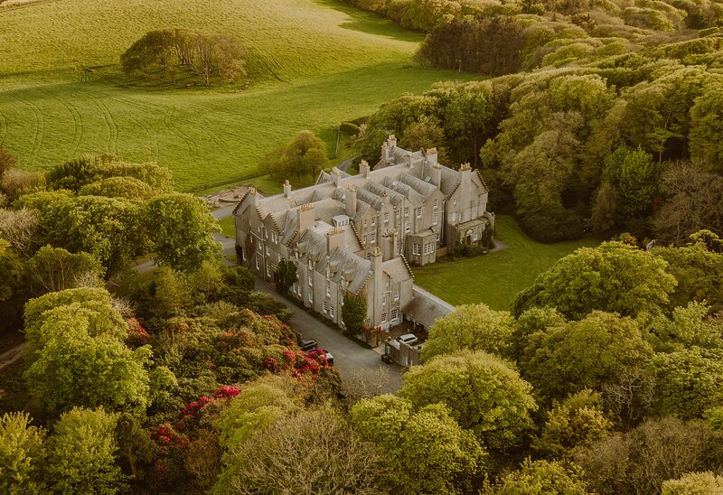 Baronial Luxury: Castle on 2000acre Seaside Estate, holiday rental in Portpatrick