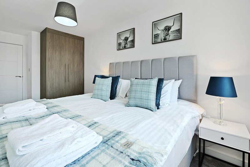 02-St Martins House Luxury Apartments Ruislip Apt B, holiday rental in Ickenham