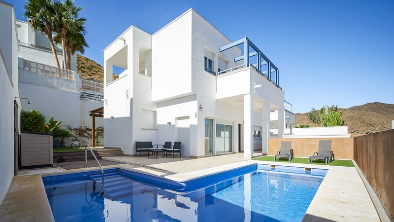 Amazing villa with swimming-pool, holiday rental in Cabo de Gata